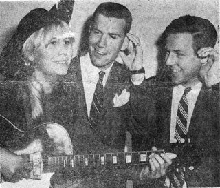 mags with silvertone guitar